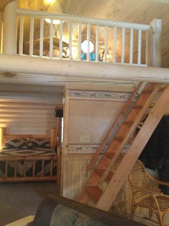Cedar Lodge & Settlement: 2-story loft upstairs