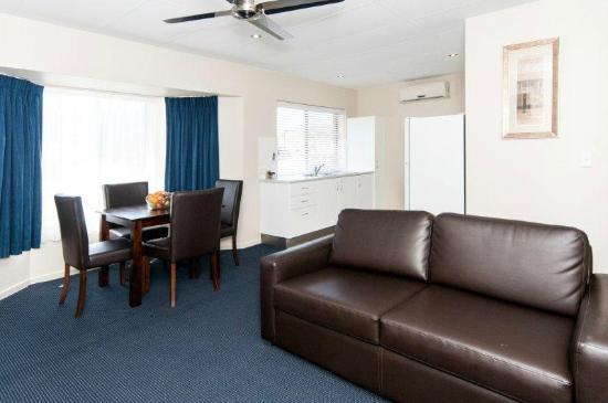 โรงแรมคอมฟอร์ทอินน์ & สวีทส์ โรเบิร์ทสัน การ์เด้นส์: Fully Self Contained Apartment/Villa 1,2 and 3 bedroom styles