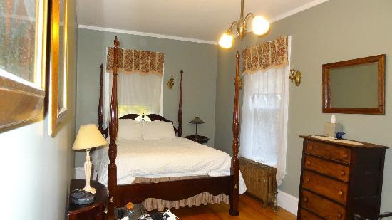 The Mulburn Inn at Bethlehem: Our room -  Jackson room