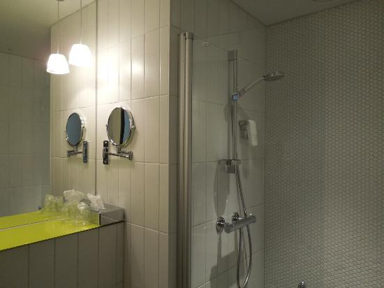 Quality Hotel Waterfront Alesund: Bathroom