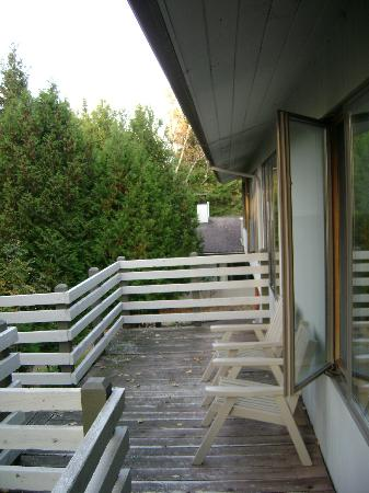 Thomsonite Beach Inn & Suites: Our personal deck.