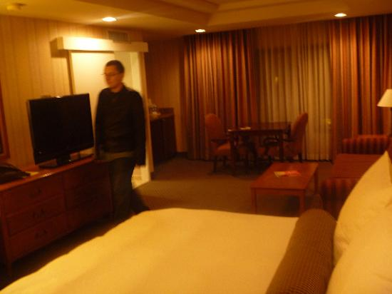 Empress Hotel of La Jolla: huge room