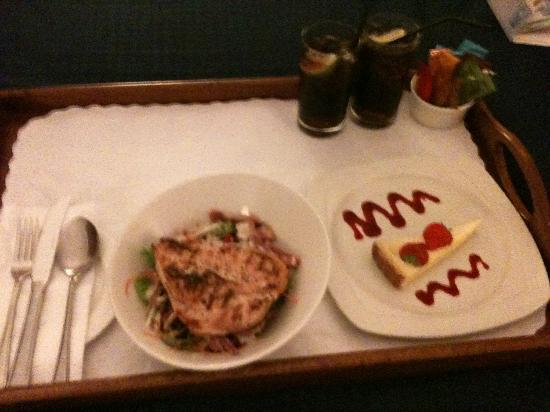 Holiday Inn Liverpool City Centre: Room Service!!