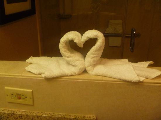 Empress Hotel: Nice touch - attention to elegant detail