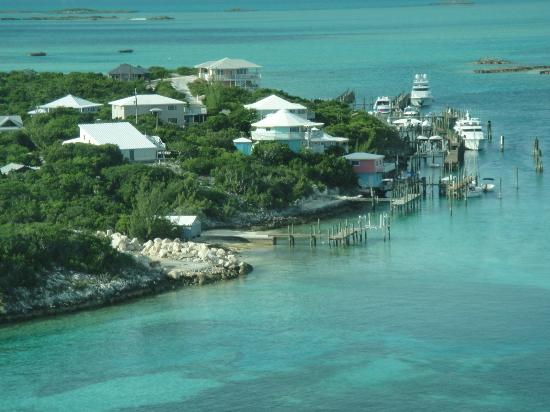 Staniel Cay Yacht Club: Just before landing