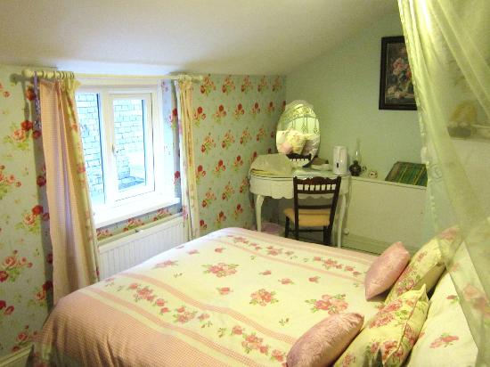 Alice Guest House: The Rose Room