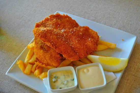 Emu Point Cafe: fish and chips