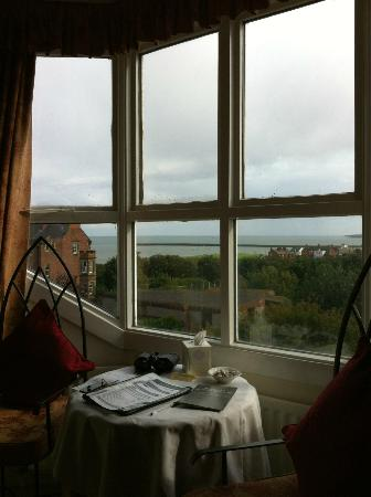 Martineau Guest House: Looking out to the mouth of the River Tyne