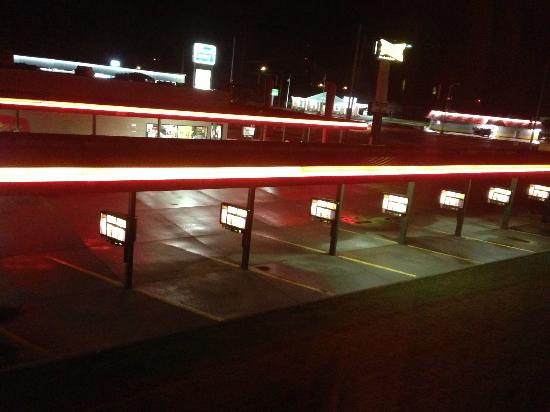 Super 8 by Wyndham du Quoin: Neon at Night at sonic approximate 1:22 AM