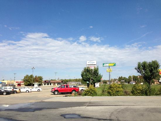 Super 8 Du Quoin: The shopping center across the street on Highway 151. The only liquour store in Duquoin