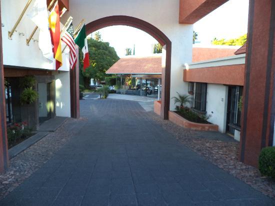 Hotel Flamingo Inn: Entrada