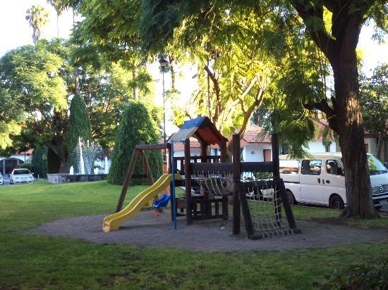 Flamingo Inn: Area de juegos infantiles