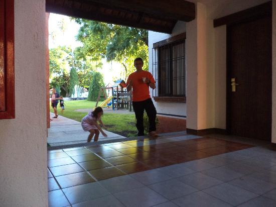 Hotel Flamingo Inn: El corredor entre las 400 y 500
