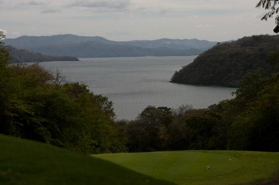 Four Seasons Resort Costa Rica at Peninsula Papagayo: View over bay from the Four Seasons golf course