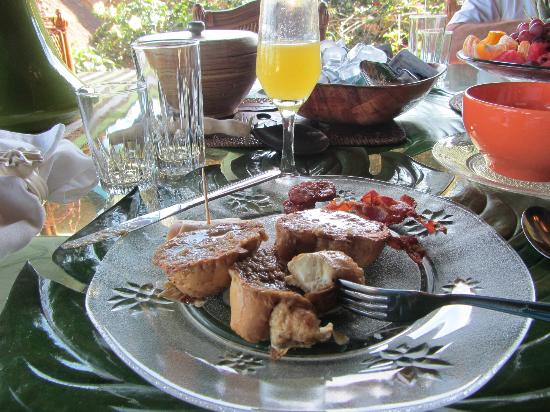 Cachoeira Inn: The best french toast ever!