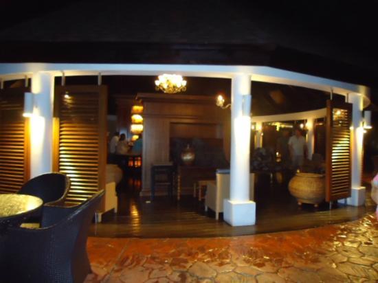 Secrets St. James Montego Bay: The Piano Bar at night