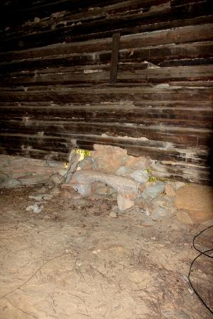 Lamplight Inn B&B: This rock formation was part of the curing barn furnace.
