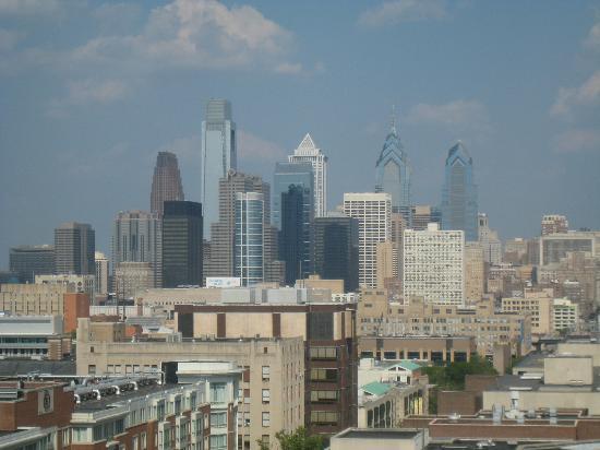 University of Pennsylvania : Philadelphia skyline from Hunstman Hall