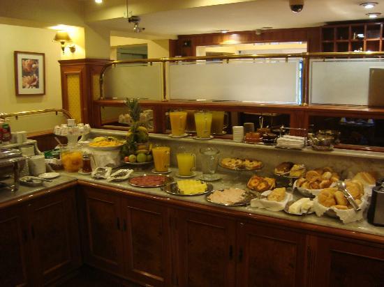 Orly Hotel & Suites: Café da manhã