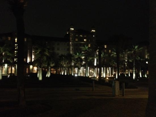 Hotel Galvez & Spa A Wyndham Grand Hotel: hotel at night