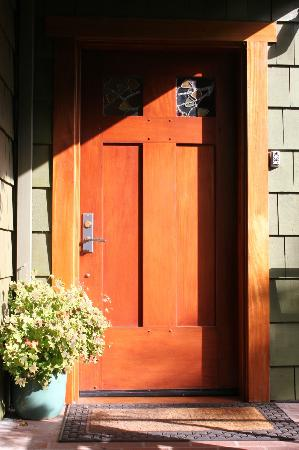 Blackbird Inn: Side Door