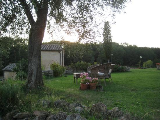 B&B La Canonica di San Michele: View of the grounds