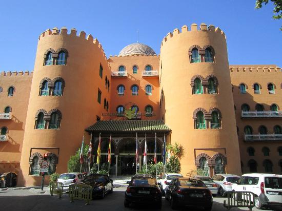 Hotel Alhambra Palace: Hotel entrance