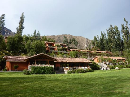 Belmond Hotel Rio Sagrado: restaurant and rooms  from grounds