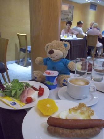 ホテル アプシス アトリウム パレス, 朝食のビュッフェ