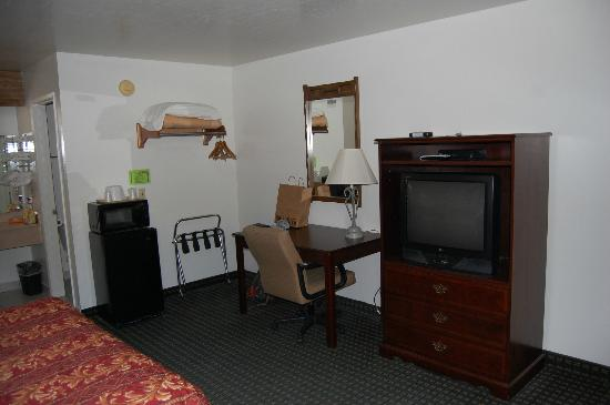 Jamestown Railtown Motel: Other interior angle