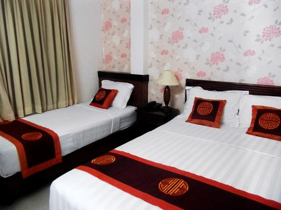 Ngoc Linh Hotel: Triple room