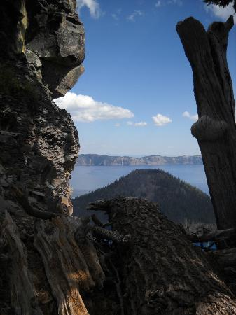 Crater Lake Lodge: View of lake