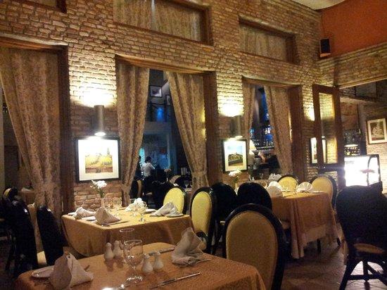 L 39 opera ristorante italiano manila restaurant reviews for Ristorante l isolotto milano