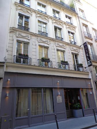 Hotel from outside picture of hotel le petit paris - Le petit salon paris ...