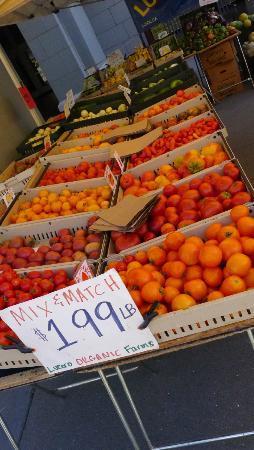 Embarcadero Farmer's Market : Farmer's Market - Nice fruit and vegetables