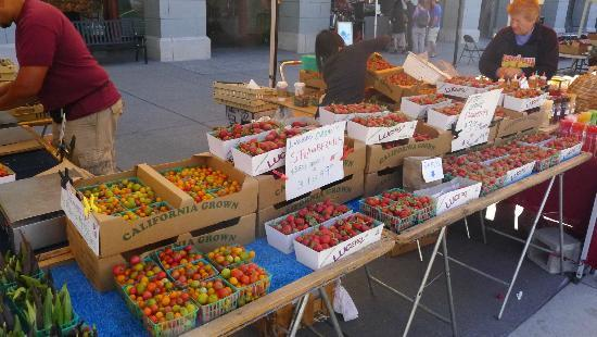 Embarcadero Farmer's Market : Farmer's Market (6)
