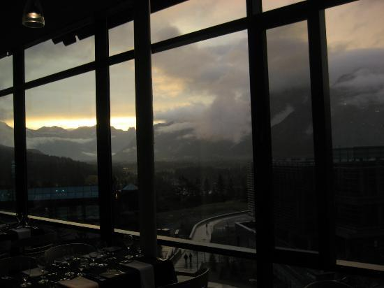Three Ravens Restaurant & Wine Bar: Rainy Day Sunset