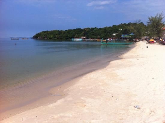 Beach Road Hotel: Serendipity Beach....5 mins walk!!!