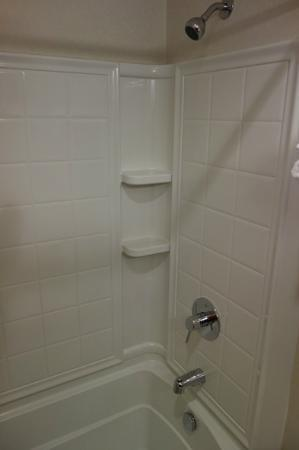 The Tangerine: Bathroom