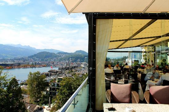 Art Deco Hotel Montana Luzern: Restaurant with a view