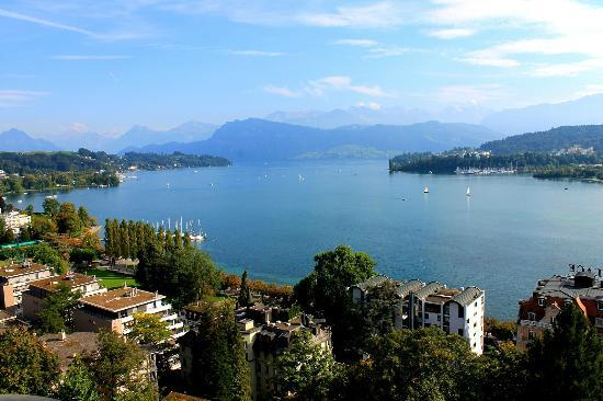 Art Deco Hotel Montana Luzern: Lake view room is magic