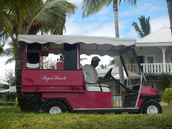 Sugar Beach Golf & Spa Resort: Beach Trolley