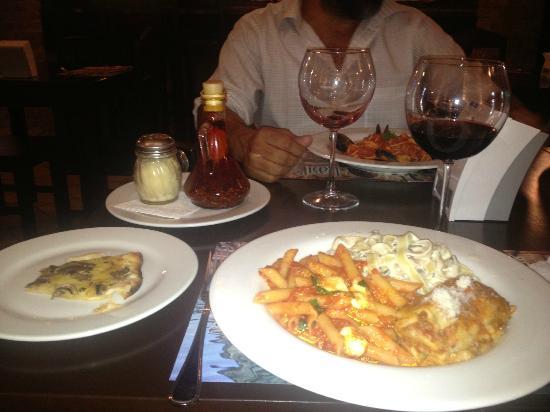 Basilico Ristorante: Deliciosa cena en compañia de personas muy especiales!!