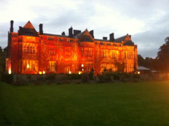 Gisborough Hall Hotel: Lit up..