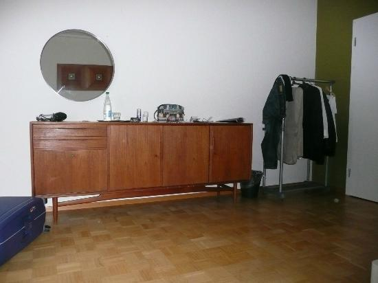 Pension FurDich : armadio sporco anni 70