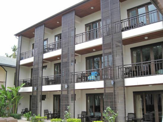 Ampha Place Hotel : 3 floors each 5 rooms, only 12 rooms available for guests