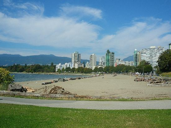 Sandman Suites Vancouver - Davie Street: 20 min walk to Elizabeth Bay
