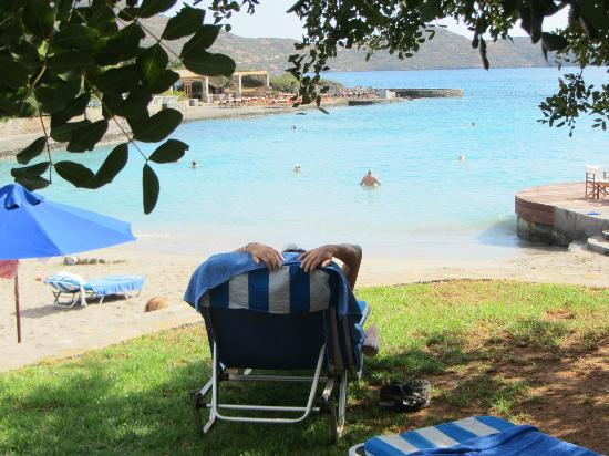 Elounda Bay Palace: Wiew over one of two beaches