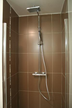 Seven Urban Suites Prado: rainshower