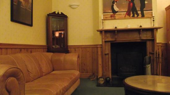 Waterhall Country House, Gatwick: Cosy!